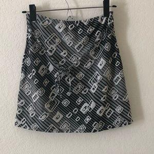 Black & White Mini Skirt Size Small